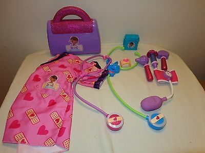 Doc McStuffins MEDICAL DOCTOR KIT Light & sound, scrubs, talking stethoscope Lot