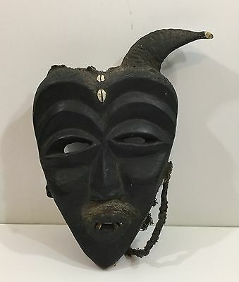 Nice Antique African Carved Wood Tribal Mask With Real Teeth And Horn