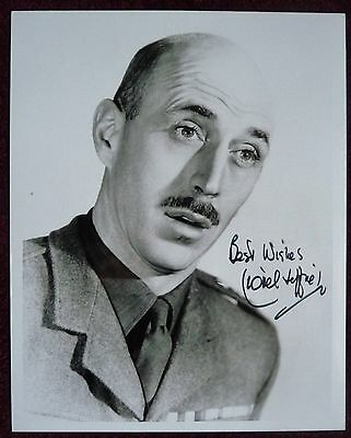 LIONEL JEFFRIES : signed photo