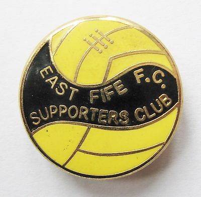 EAST FIFE - Superb Supporters Club Enamel Football Pin Badge By Reeves