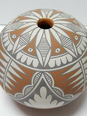 VINTAGE ANTIQUE JEMEZ PUEBLO INDIAN POTTERY GIANT SEED POT by MARY SMALL = NR