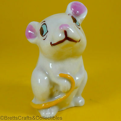 Wade Whimsies (1961/65) Happy Families Series - Yellow Tail - Adult Mouse