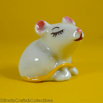 Wade Whimsies (1961/65) Happy Families Series - Yellow Tail - Asleep Baby Mouse
