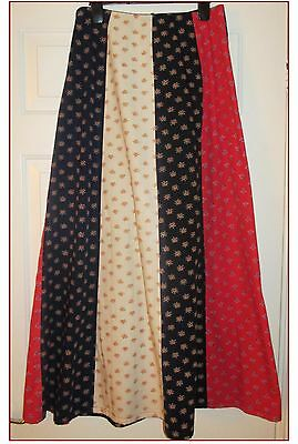 VINTAGE MAXI SKIRT BY HIGHLIGHT (POSSIBLY C&A). CREAM, NAVY, RED. 27in WAIST.