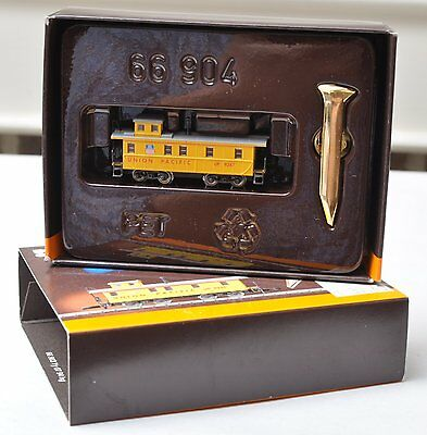 Z Scale-MARKLIN 8212 UP Union Pacific 9247 Caboose W/ Golden Spike