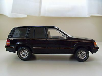 Brookfield Collectors Guild - Jeep Grand Cherokee Limited (Black) - Diecast Bank