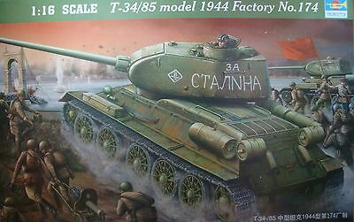 TRUMPETER® 00904 WWII Soviet T-34/85 Model 1944 Factory No.174 in 1:16