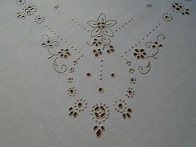 Beautiful Vintage  Embroidered design Tablecloth.Simply elegant.