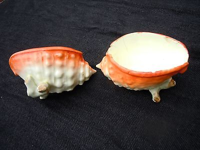 A Gorgeous Pair Of Little Vintage 'shell' China Pots.