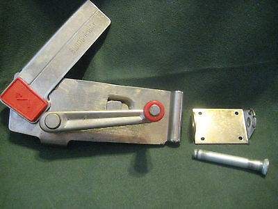 SWING-A-WAY vintage CAN OPENER 50s 60s wall mount red handle hand crank