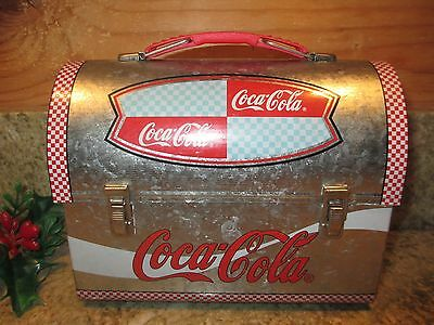 "Coca-Cola (L)7 1/4"" x (W)3 1/2"" x (H)5 1/2"" Tin Lunch Box"