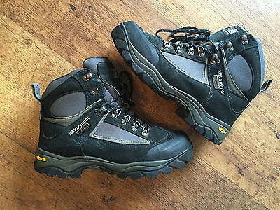Karrimor Event mens hiking/ walking boots with Vibram soles, size 7