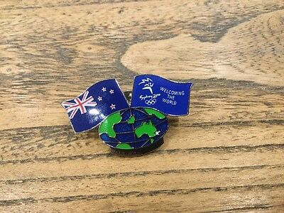 Metal Pin Badge - Olympic Sydney 2000 .. Welcoming The World