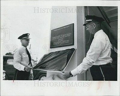 1965 Press Photo Indians Rocks Police Department