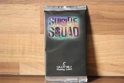 5 x Suicide Squad trading cards  New and sealed        Free 1st class post