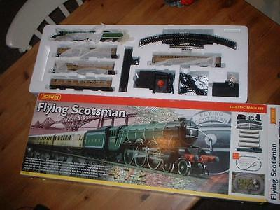 Hornby R1039 Flying Scotsman Train Pack Set Complete Never Run