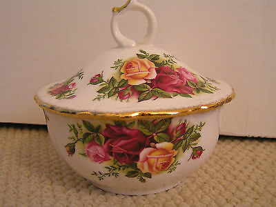 ROYAL ALBERT Old Country Roses Lidded Trinket Dish  **Excellent Condition**