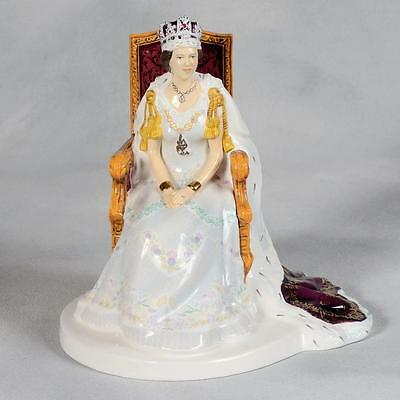 Royal Doulton Figurine - Queen Elizabeth  Ii Diamond Jubilee Hn 5582