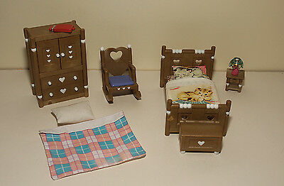 Sylvanian Families Lovely Bedroom Set