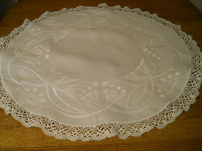 Vtg White On White 31 Inch Round Linen Tablecloth Lace Edge As Is