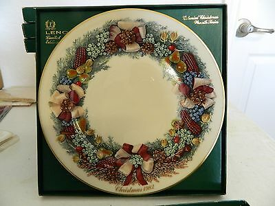 Lenox Colonial Christmas Wreath Collectible Plate 1982