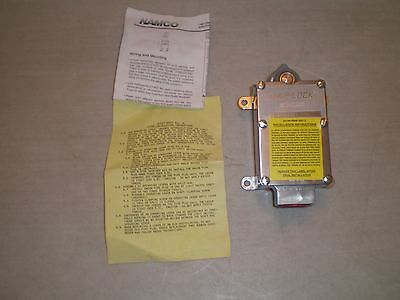 New! Namco Controls EA170-51302 Snap-Lock Limit Switch Free Ship! EA17051302