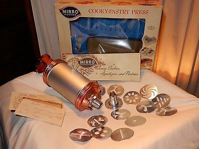 GREAT Vtg MIRRO Aluminum Cookie/Cooky Pastry Press in Box w/Recipe Book