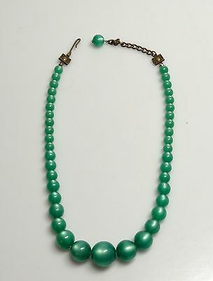 VIBRANT Grass Green Moonglow Lucite Graduated Bead Necklace- Estate
