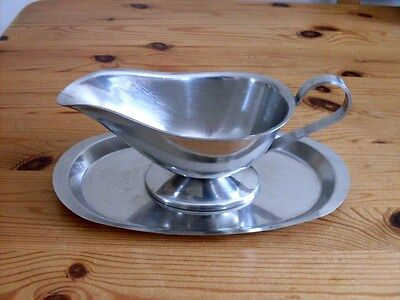Gravy Boat With Stand. Stainless Steel. Gc.