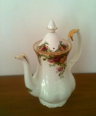 ROYAL ALBERT Old Country Roses Coffee Pot England 1962 1st Quality / excellent