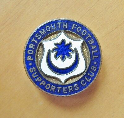 PORTSMOUTH - Superb Vintage Supporters Club Enamel Football Pin Badge