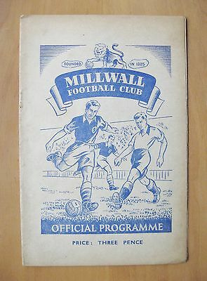 MILLWALL v READING 1951/1952 *VG Condition Football Programme*