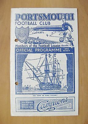 PORTSMOUTH v FULHAM 1944/1945 *Good Condition Football Programme*