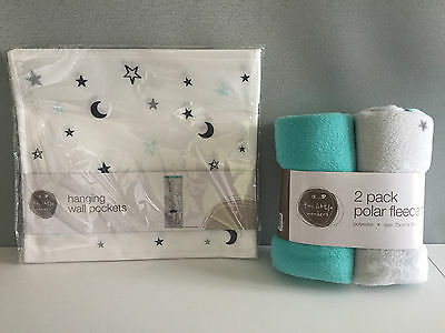 BNWT Baby 2 Pack Polar Fleece Blankets and Hanging Wall Pockets Baby Gift Pack