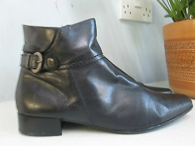 Clarks - Black real leather ankle boots with buckle - size 5 1/2