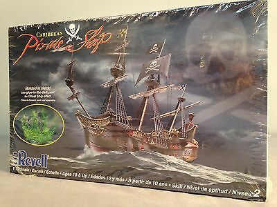 Caribbean Pirate Ship 1:72 Scale Revell 85-0386