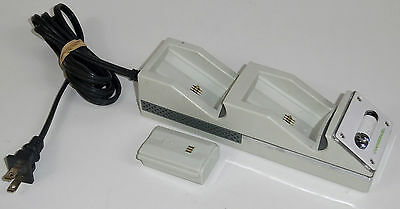 NYKO CHARGE STATION DUAL CHARGE BASE w/ 1 BATTERY PACK XBOX 360 WHITE *UNTESTED*