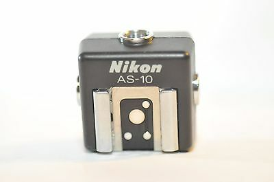 Nikon AS-10 AS 10 Hot shoe adapter with multi Sync terminal