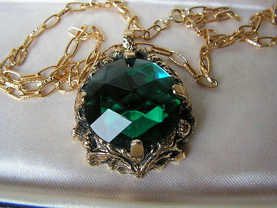 Beautiful Vtg Scottish Thistle & Highly Faceted Green Glass Necklace By Miracle