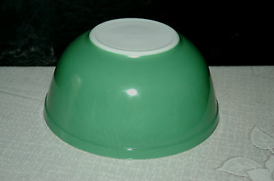 Vintage Pyrex 2.5 Qt Primary Green Mixing Bowl #403 MINT