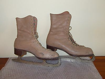 """Vintage Beige Ice Skating Boots (Womens?) Size 8 - """"hudora"""" - D. Condition"""