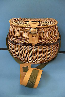 Large Wicker Fishing Creel / Charming Picnic Hamper For 2