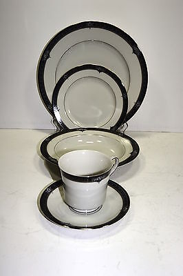 Mikasa Grande Ivory Gothic Rose 5pc Place Setting