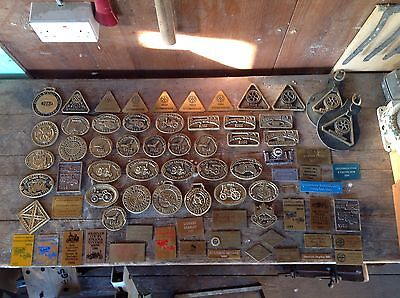 Large Collection Of Vintage Brass Steam Show Rally Club Badges Plaques Over 70