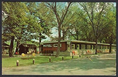 THE TAFT & CONWAY MOTEL Tomah Wisconsin Postcard 3214
