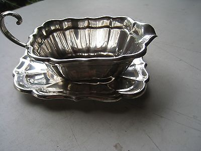 VINTAGE REED & BARTON STERLING SILVER WINDSOR GRAVY BOAT & TRAY Reduced