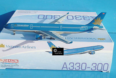 Dragon Wings Vietnam Airlines Airbus A330-300 1:400 scale diecast model.
