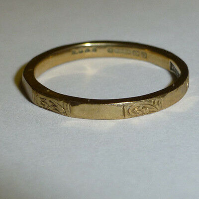 """Vintage 9ct .375 Gold Engraved """"Fidelity"""" 12 Sided Wedding Band / Ring H/M 1940"""