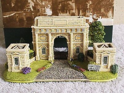 Lilliput Lane .. GATEWAY TO HAREWOOD .. Annual Fair - 2 Day Only Special Edition