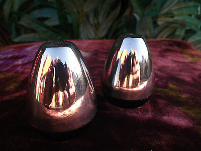 Vtg Retro Atomic Stainless Steel & Plastic Salt & Pepper Pots Shakers